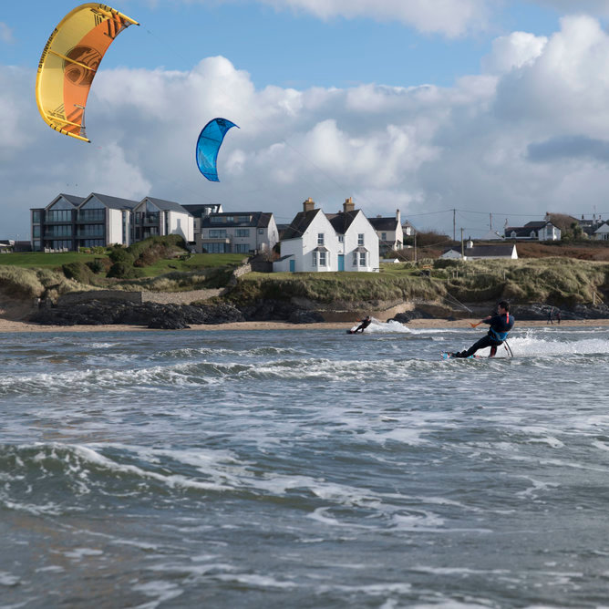 2 Day Kitesurf Course, Hunstanton, Norfolk. Pick ups can be arranged from Burnham Deepdale.  | A two day kitesurf course to get you up and riding in one of the best teaching locations in the UK.  | hunstanton, kite, surf, norfolk, coast, north, brancaster, cbk, surfing