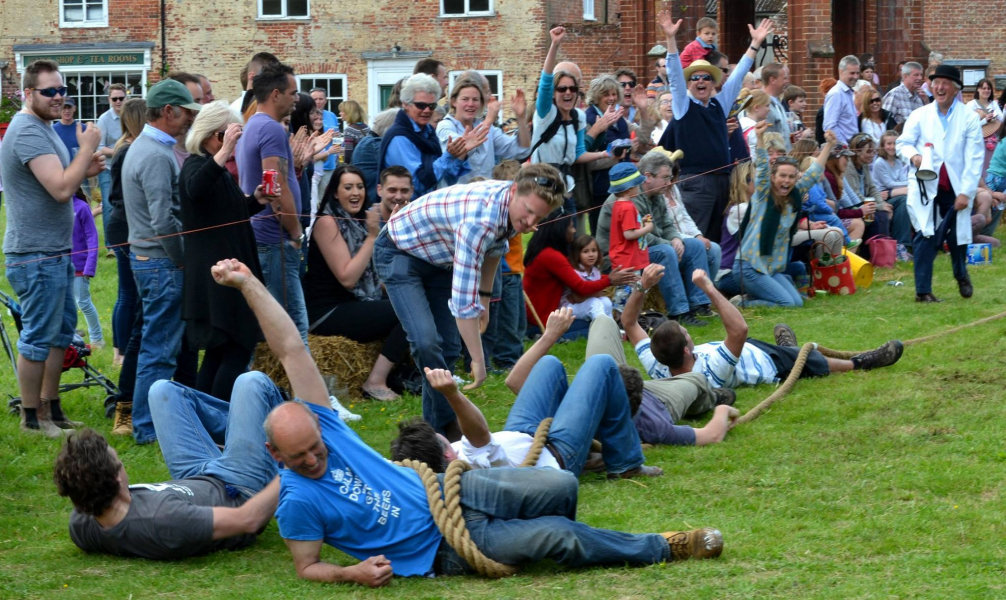 Heydon Tug of War, Heydon, Norfolk | Please join us for the annual Heydon Tug of War - an afternoon of fun for all the family on Heydon village green. Includes live music, hog roast, games and side stalls. | tug of war, free entry, child friendly, kids, children, teams, heydon, village, games, events, north norfolk