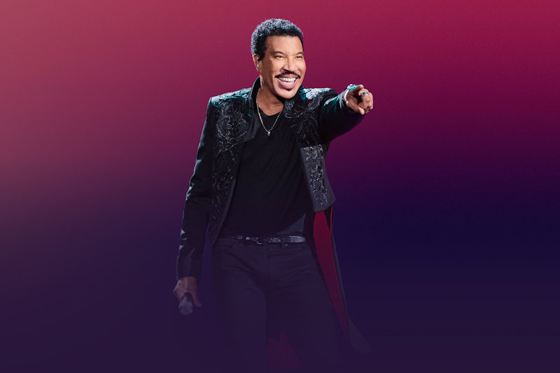 Lionel Richie at Holkham, Holkham Hall, Norfolk | Lionel Richie's love affair with the UK continues as he announces his return to the UK for long awaited 2018 summer tour. | Music, Lionel Richie, Concert