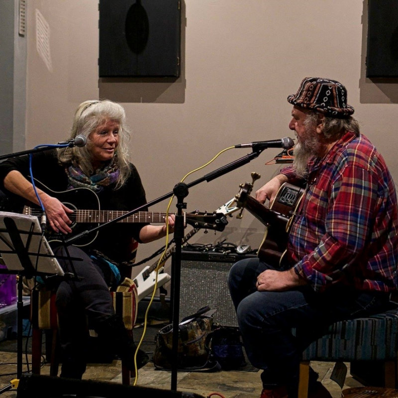 Live Music Session - Baroness & The Bear | Live acoustic music with Baroness and the Bear.  A mixture of Blues, roots and Cajun music. - Dalegate Market | Shopping & Café, Burnham Deepdale, North Norfolk Coast, England, UK