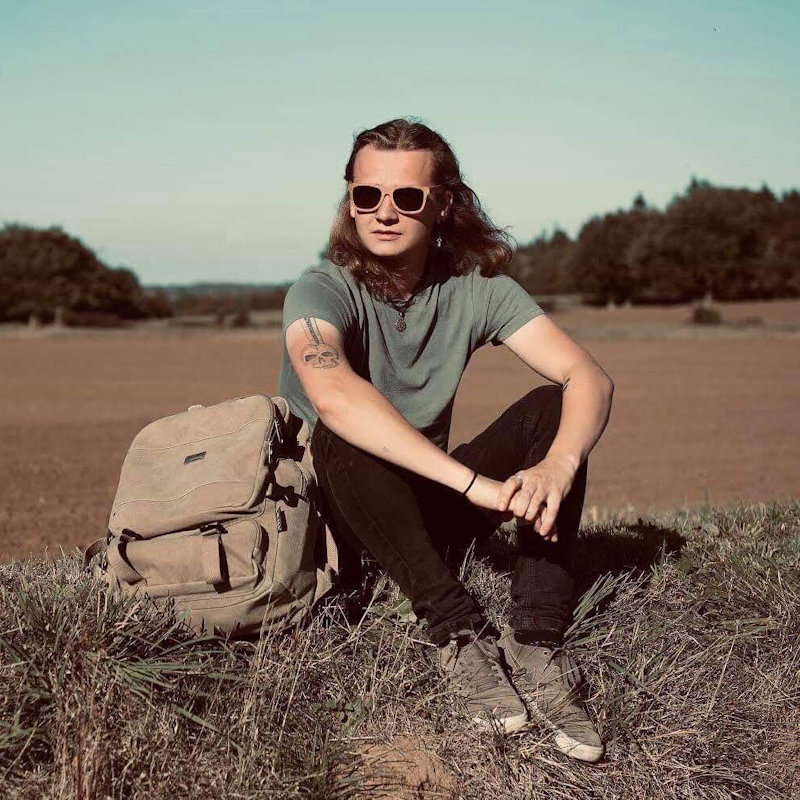 Vincent Knight - Saturday - Deepdale Festival | 26th to 29th September 2019 - Vincent Knight is a 24 year old singer/songwriter and Indie musician from Suffolk. Inspired by artists such as Sticky Fingers, Catfish and the Bottlemen, Damien Rice and James Bay.  As well as a whole host of bands spanning the recent decades. He blends soulful singer/songwriter with lively Indie rock for a fresh and modern sound.