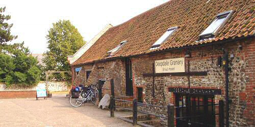 Deepdale Granary Group Hostel offers self catering group accommodation and self catering family accommodation sleeping 19 people in four bedrooms.  The perfect self catering accommodation for a group or family visit to the North Norfolk Coast, whatever your interest in this �Area of Outstanding Natural Beauty�